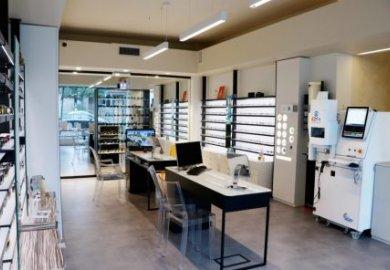 An Italian shop is the first European optician to install Ezfit