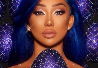 Desio's colour contact lenses conquers beauty gurus and vips.