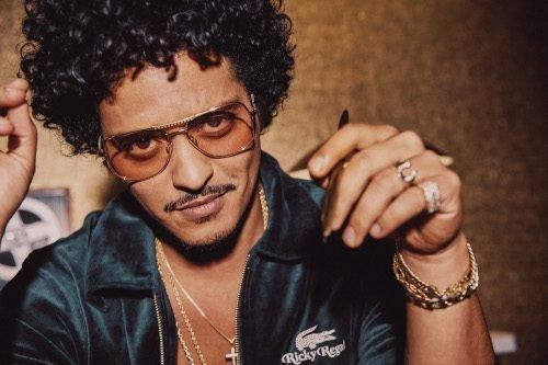 Bruno Mars lancia la prima lifestyle collection con l'alter ego Ricky Regal.