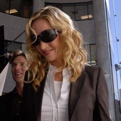 (ENG) Uma Thurman And Naomi Campbell wear Pirelli Pzero glasses