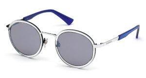 Diesel Eyewear si affida ad una capsule collection per sottolineare il suo spirito audace e anticonformista.