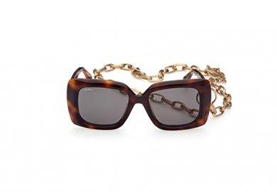 Marcolin celebra i 70 anni della Maison Max Mara con un occhiale da sole in limited edition.